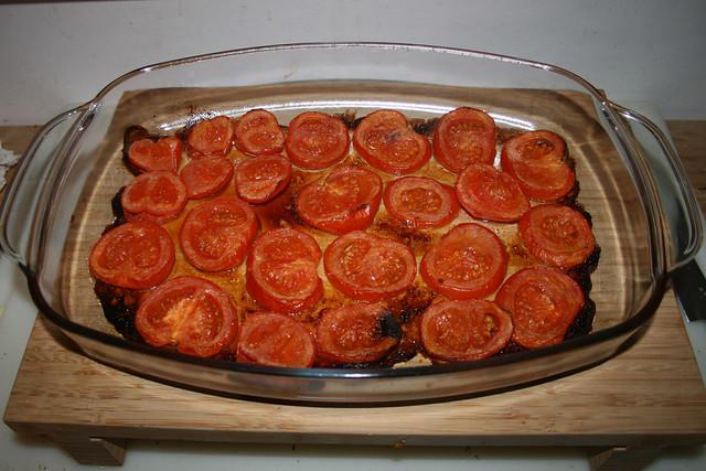 15 - Take roasted tomatoes from oven / Geröstete Tomaten aus Ofen entnehmen