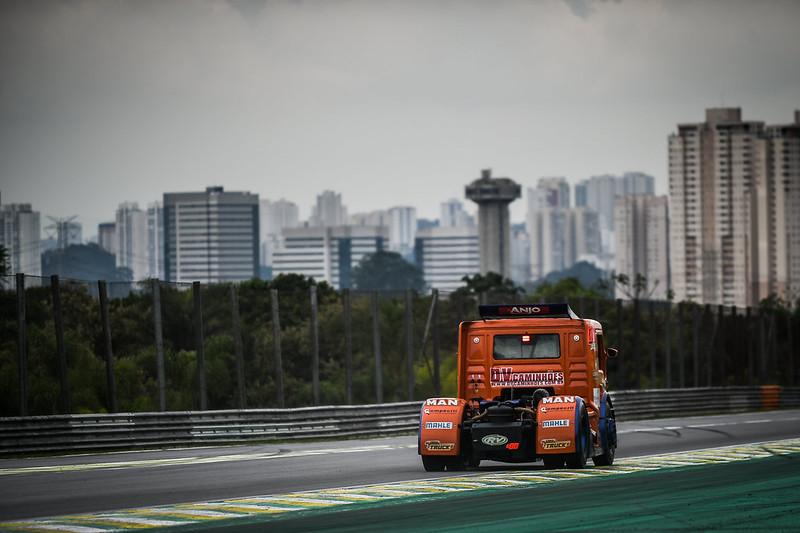 11/12/20 - Sexta-feira de treinos livres da Copa Truck em Interlagos - Fotos: Duda Bairros