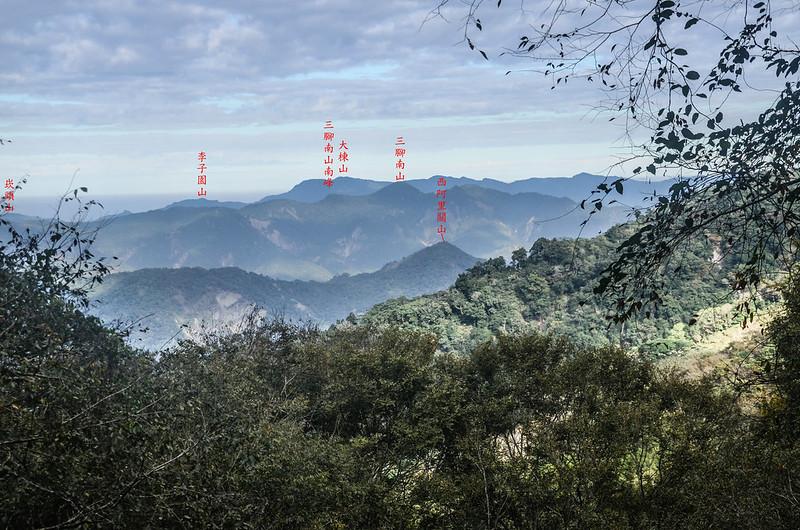 五指寮林道(H 1280 m)西北望群山 (2)-1