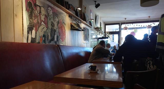 Simorre (Gers, Occitanie, Fr) – Priez pour eux, les cafés et restaurants fermés en France pendant près de six mois en 2020 et 2021 …