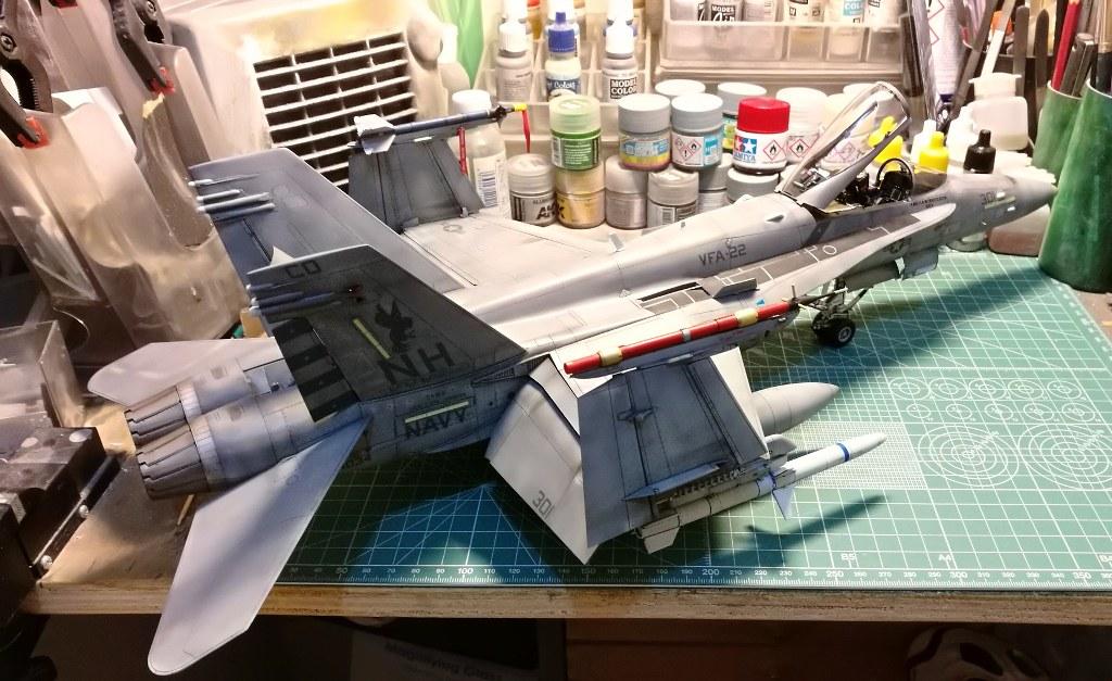 F18C_102