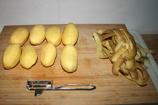 07 - Peel potatoes / Kartoffeln schälen