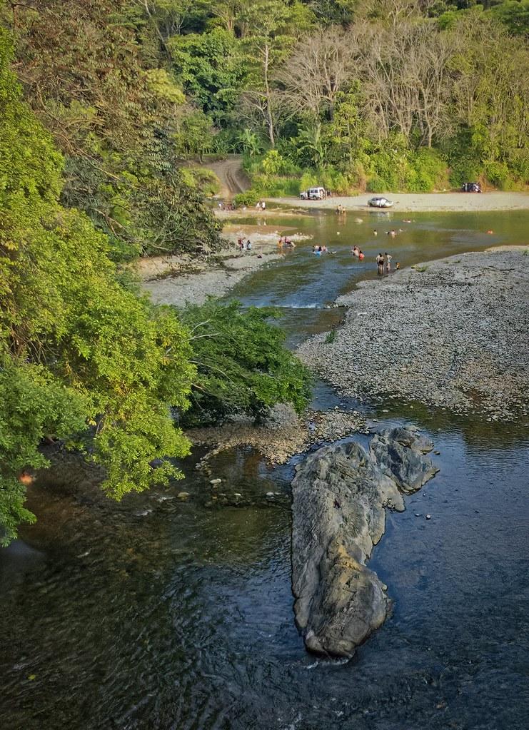 Baignade à la River General... + redressement... 50710345312_78f994cdea_b