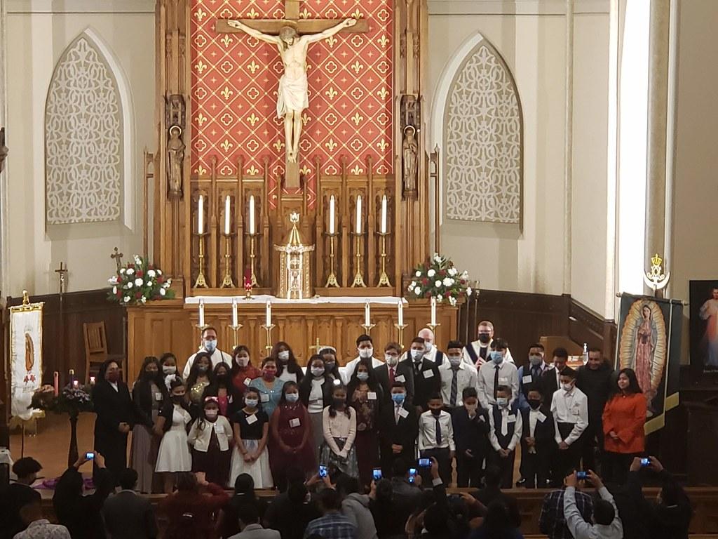Misa de Confirmación en la Fiesta de Nuestra Señora de Guadalupe