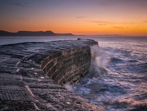 lymeregis iconic anthonywhitesphotography wacomintuospro nopeople dorset unitedkingdom england stone orange sunrise