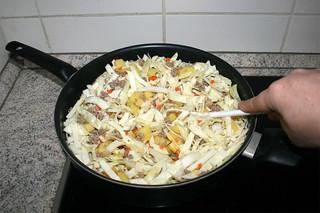 21 - Fry cabbage / Weißkohl anbraten