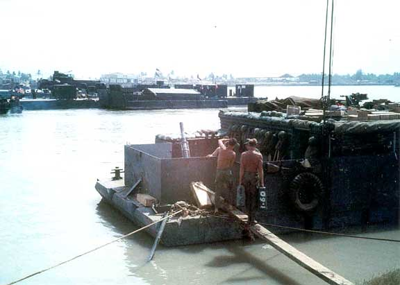 MRF-barge-M30-4d2in-mortar-1969-15e-2