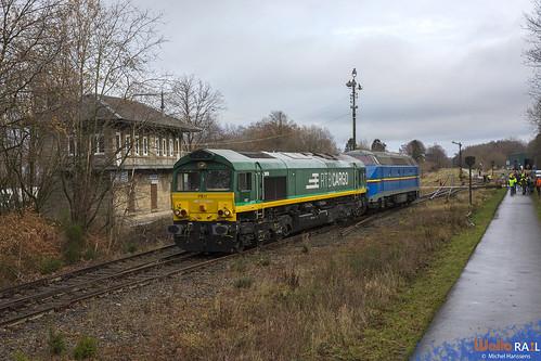 PB 17 RTB Cargo + 5538 ex-SNCB . Z 63450 . Raeren . 12.12.20.