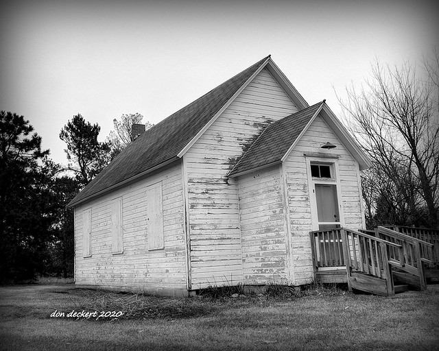 Country schoolhouse near Buffalo, MN.