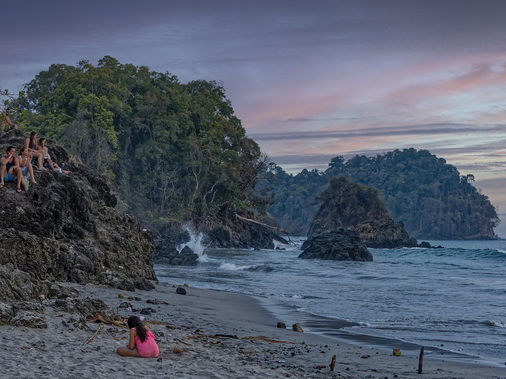 En attendant le coucher de soleil à Manuel Antonio... 50714064316_af925bd9e2_b