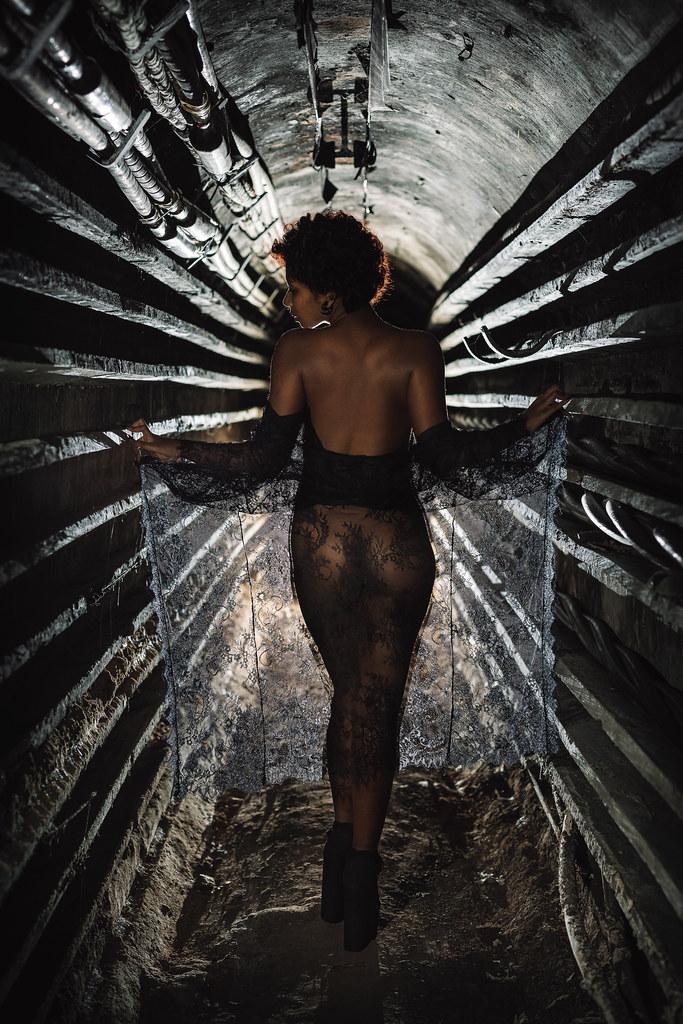 Dans l'antre souterraine  50714209062_df8bb1b22e_b