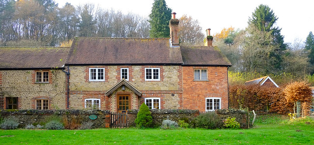 Rural Cottages @ Peaslake..