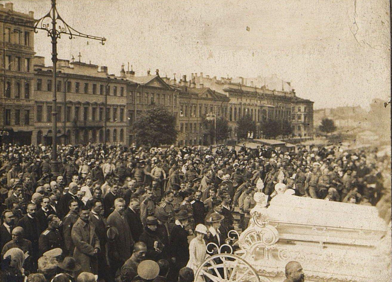 25. 15 июля. Похороны казаков - жертв событий 3-5 июля в Петрограде (1)