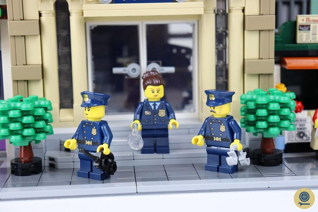 10278 Police Station 02