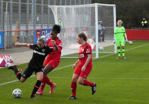 Bayer Leverkusen FR 2:1 SC Sand FR