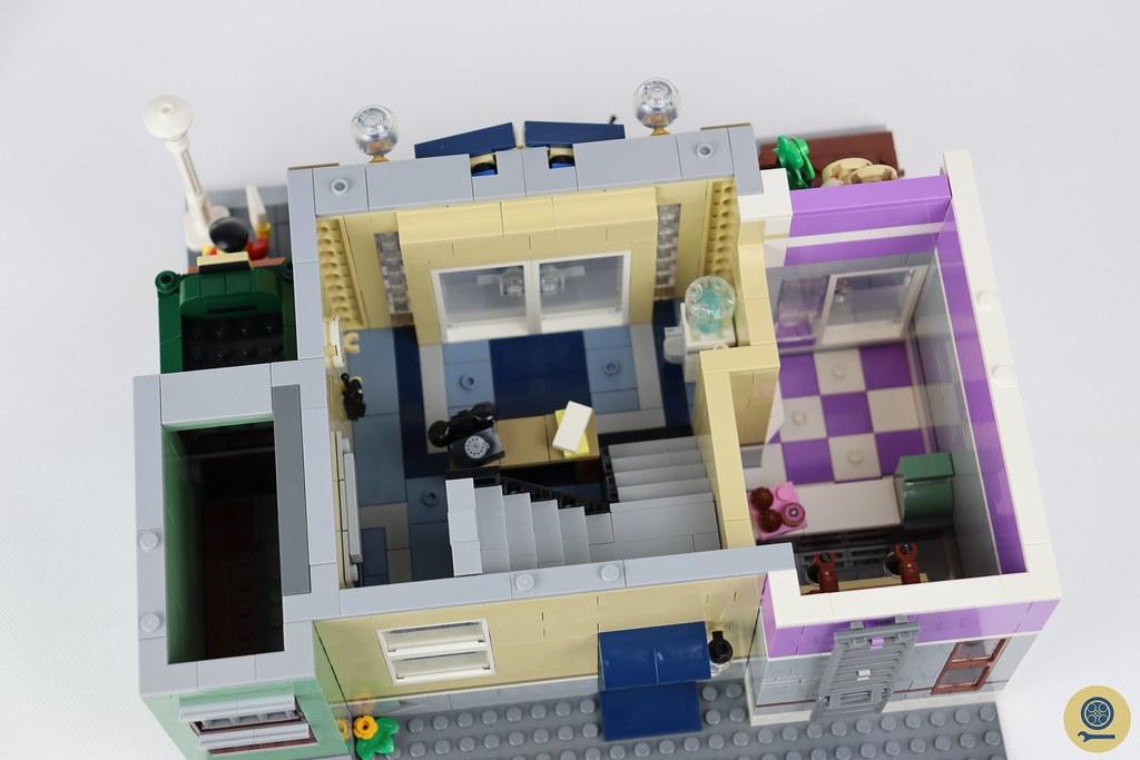 10278 Police Station 12