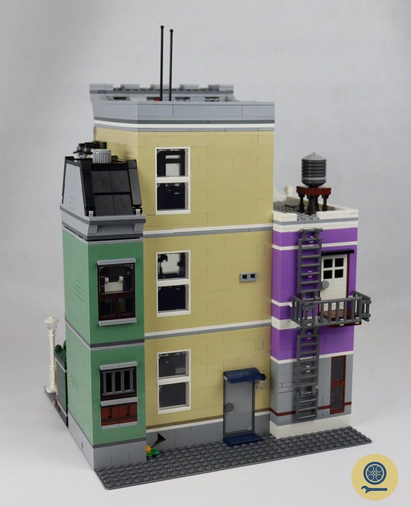 10278 Police Station 05