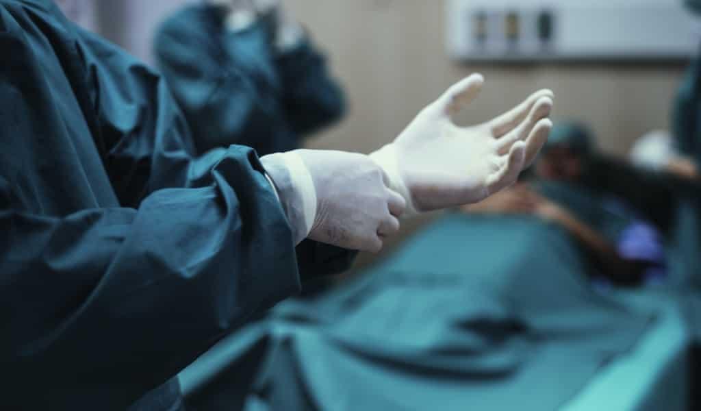 anniversaire-un-chirurgien-est-risqué-pour-les-patient-âgées