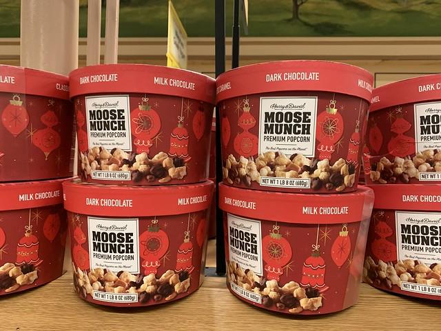 Harry & David Moose Munch Premium Popcorn Dark and Milk Chocolate