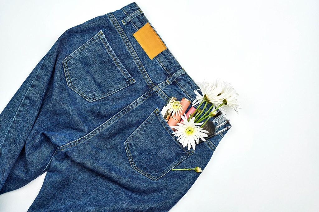 Female jeans paints