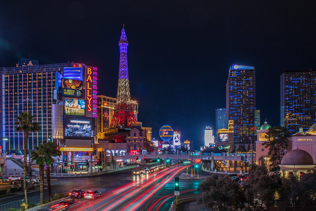 Las Vegas Strip at night car photography - Long Exposure Time Lapse