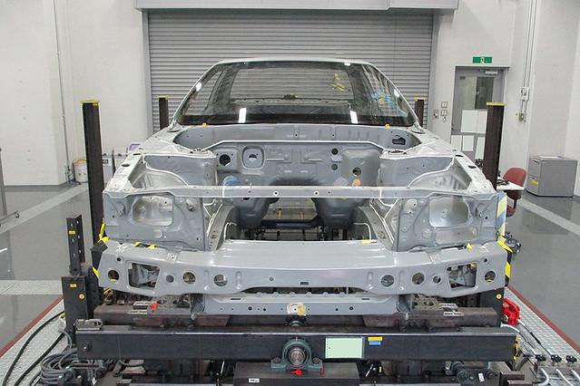 NissanSkylineGTR-R32-NISMORestoredCar-18-torsional-rigidity-test