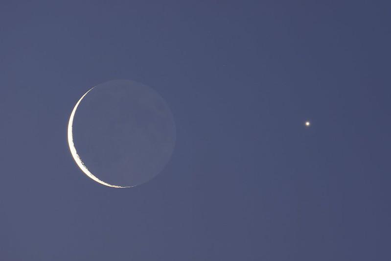 月と金星の接近 (2020/12/13 06:10)