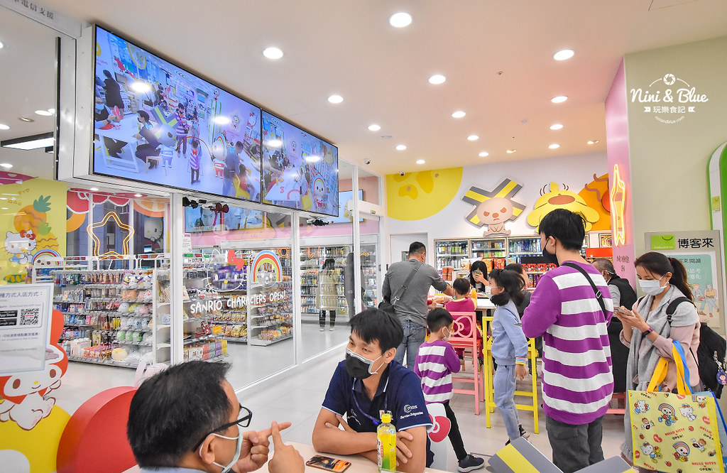 kitty &X-Store台中三麗鷗聯名7-11商店26