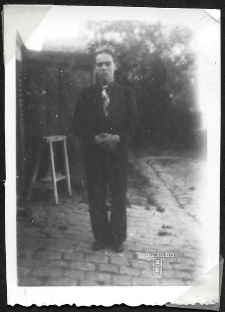 ArchivTappenZAl2b925 Männerporträt, Frankreich, 1930er