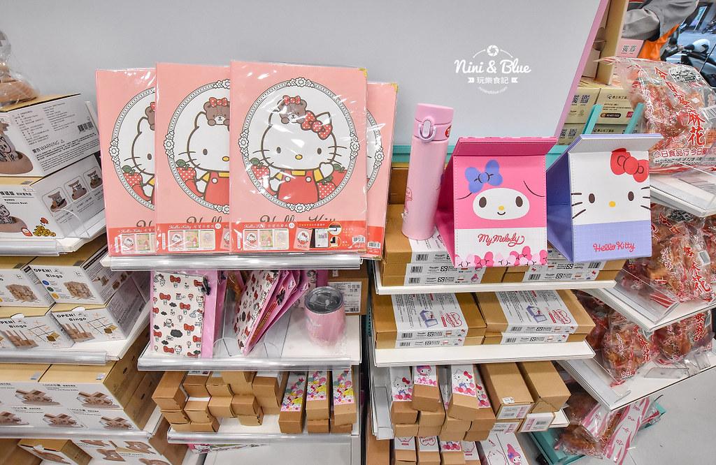 kitty &X-Store台中三麗鷗聯名7-11商店24
