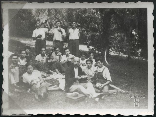 ArchivTappenZAl2b938 Picknickzeit, Frankreich, 1930er