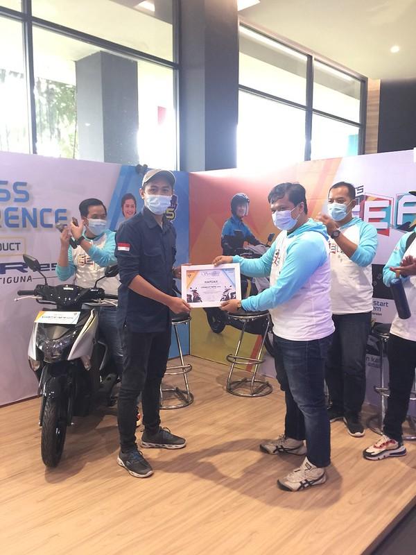 Hapsah - Konsumen pertama GEAR 125 di Palembang (1)