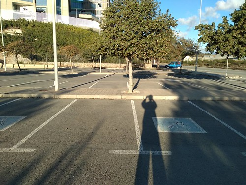 detalle de parking con creatividad inclusiva.