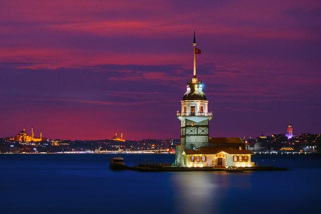 Kız ve Galata Kulesi(Maiden's and Galata Tower)
