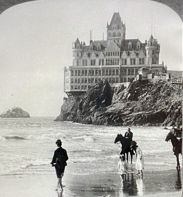 The San Francisco Cliff House will close permanently 12/31/2020