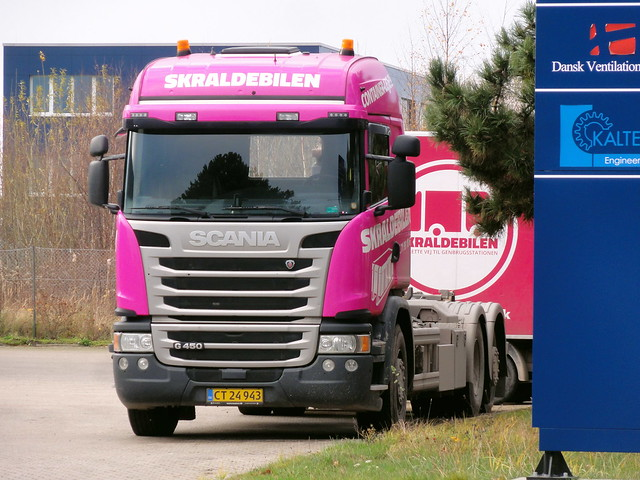 Hot pink Scania G450 CT24943