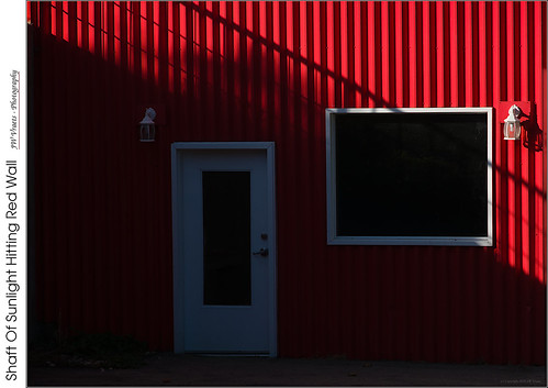 grimsby wall corrugated red redrule sunbeam shadow diagonal opensource rawtherapee gimp nikon d7100 afsdxnikkor18105mm13556