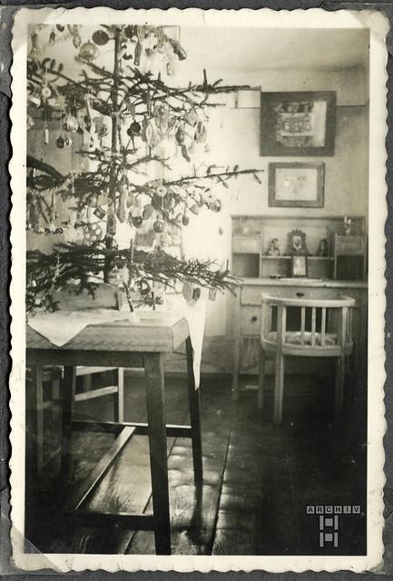 ArchivTappen2AAl2c8 Christbaum in  der Stube, Österreich, 1938