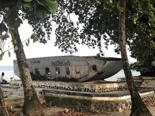 Amerikaans landingsvoertuig. Hamadi Beach, Jayapura, Papua