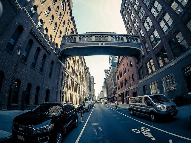 Manhattan Walkway
