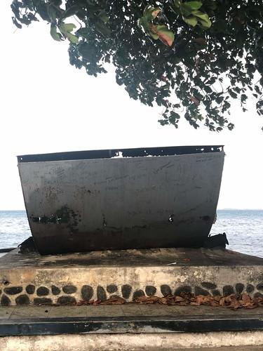 Voorzijde Amerikaans landingsvaartuig. Hamadi Beach. Jayapura, Papua
