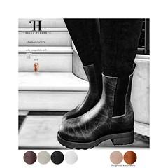 Thalia Heckroth - Chelsea boots (Maitreya Lara and Meshbody Legacy)