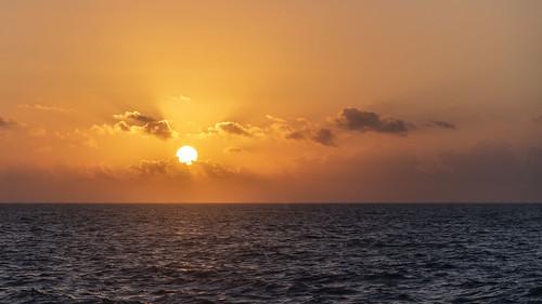 seascape sunrise aransas bay rockport texas nikon 24120 sea water sun sky cloud horizon