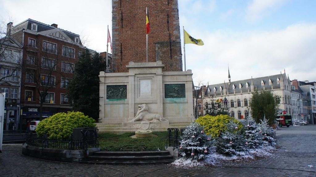 La plaza del mercado en Kortrijk