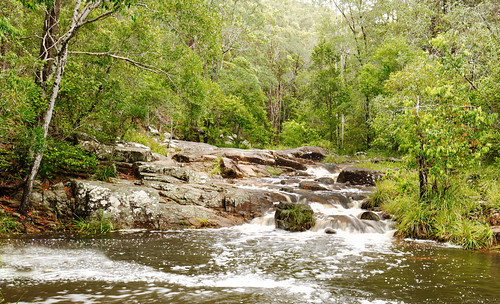 water australia queensland motharmountain gympie landscape creek pool waterfall rocks bolders boldercreek forest