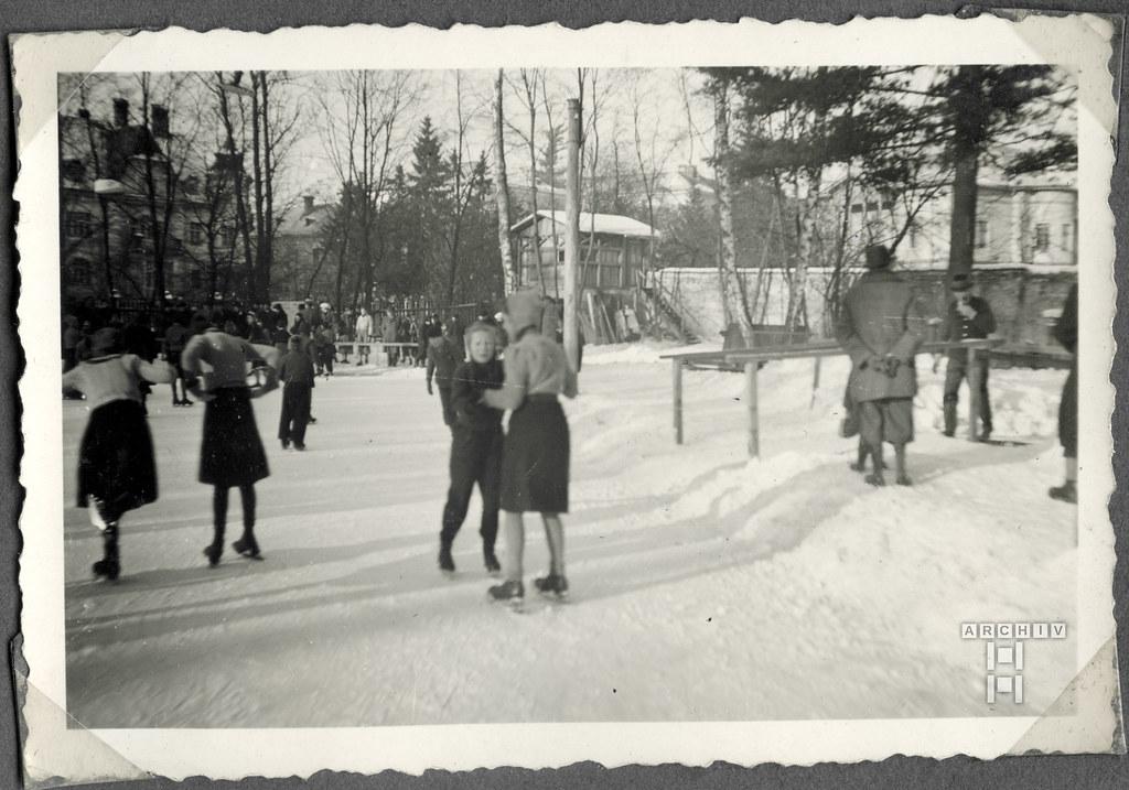 ArchivTappen2AAl2c19 Schlittschuhfahrt, Weihnachtszeit, Österreich, 1938