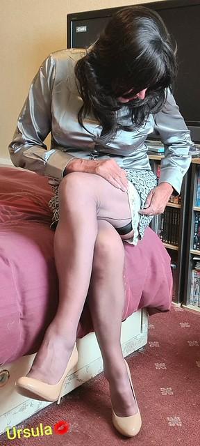 Grey fully fashioned nylons 💋