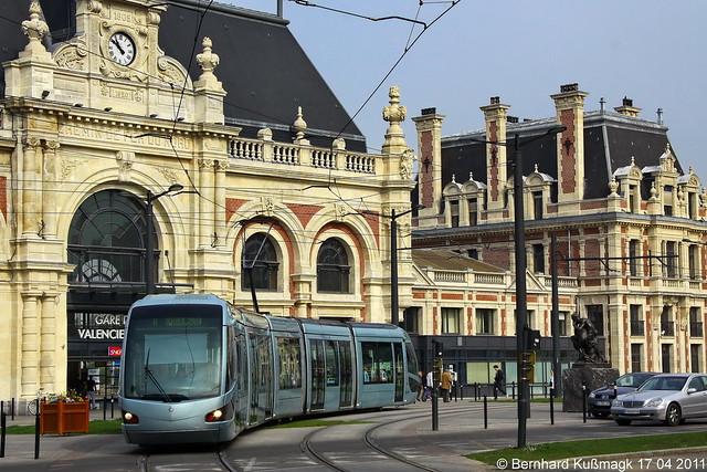 Europa, Frankreich, Département Nord, Valenciennes, Place de la Gare, Gare SNCF