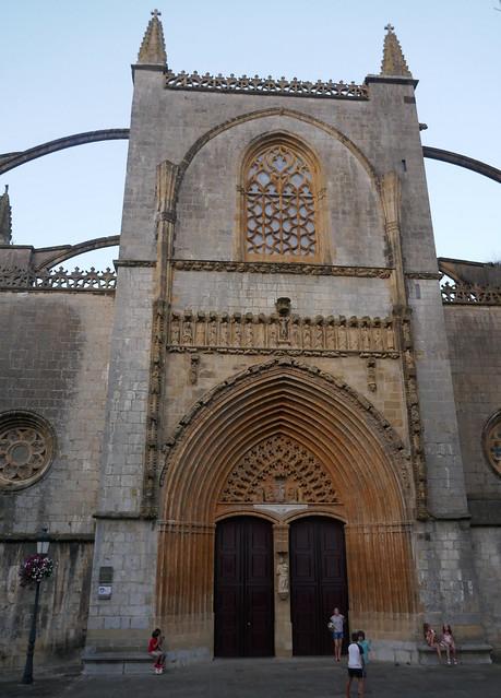 Portail, église gothique de l'Assomption, XVe, Lekeitio, comarque de Durangaldea, Biscaye, Pays basque, Espagne.