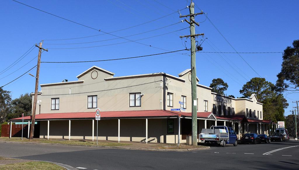 Lapstone Hotel, Blaxland, NSW.